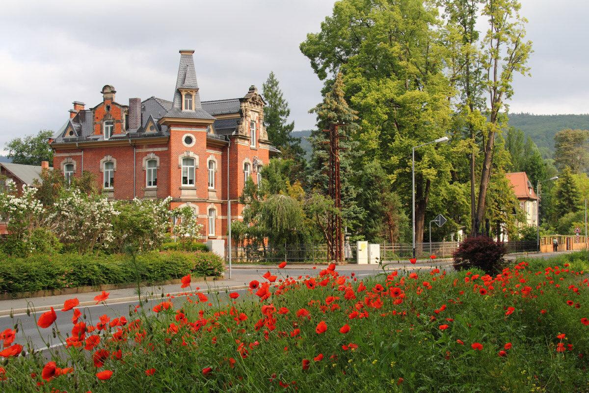 An der Villa Schoenau Matthias Pihan